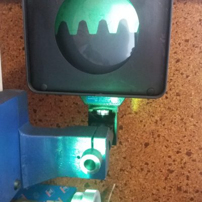 Trapezgewinde unter dem Mikroskop