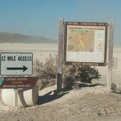 Abzweigung in die Wüste